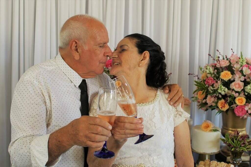 casamento 2 1024x682 - Casal de idosos dão match no Tinder e se casam