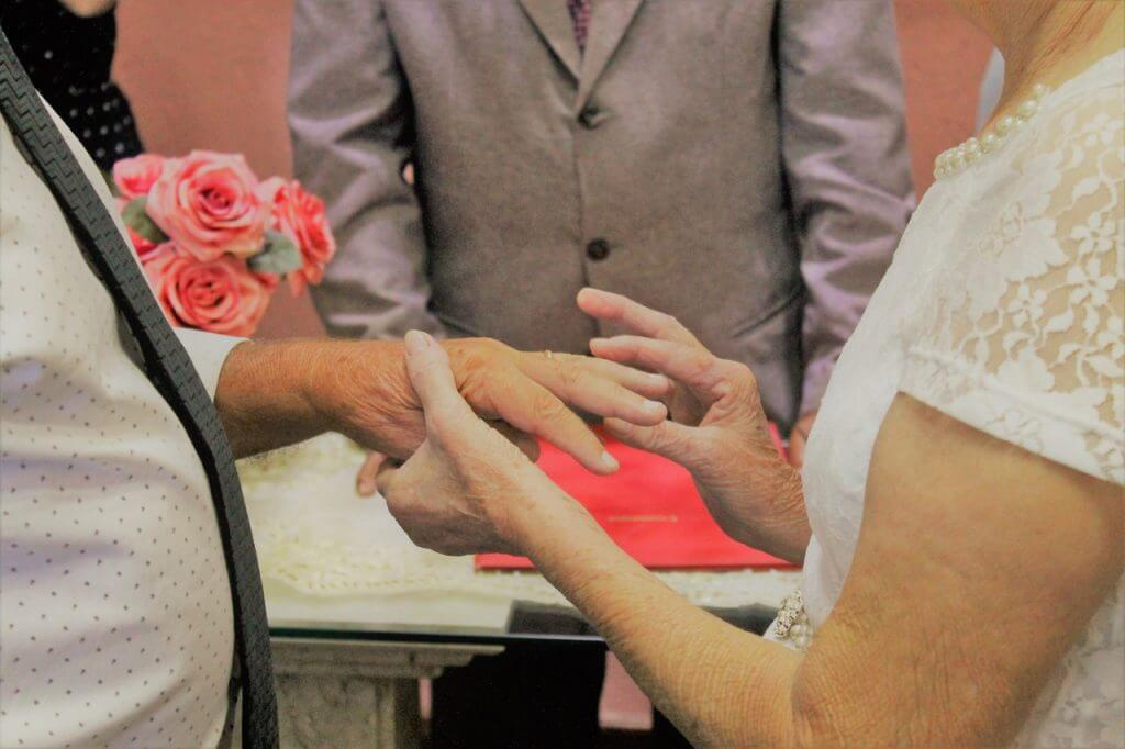 img 7522 1024x682 1 - Casal de idosos dão match no Tinder e se casam