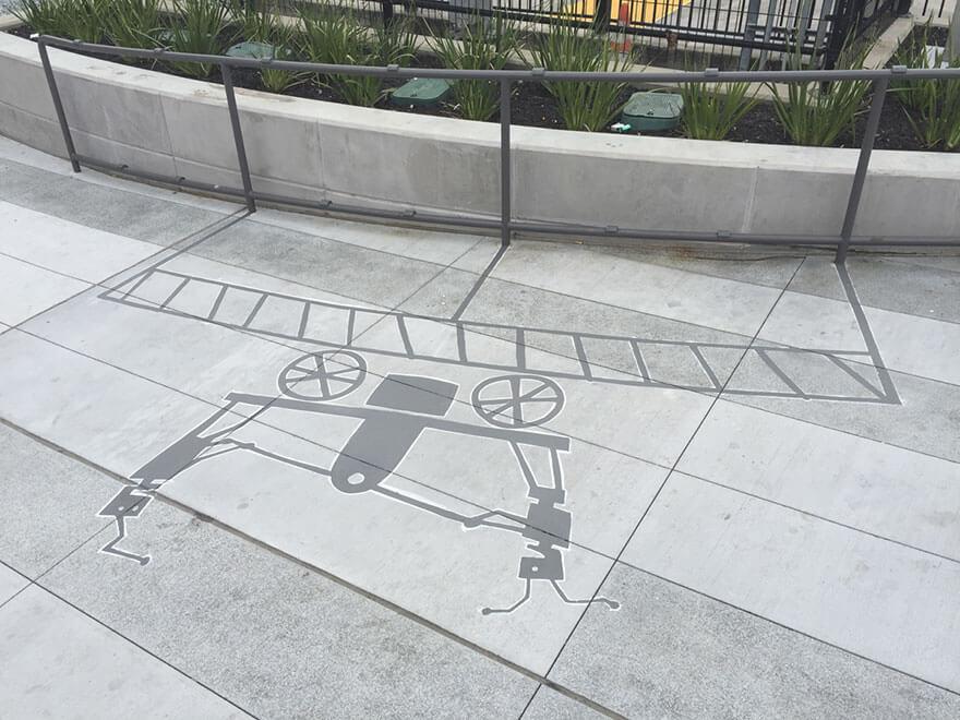 Esse artista de rua pinta sombras falsas para confundir pedestres de forma sensacional 12 - Porque não usarmos a arte para surpreender alguns pedestres ?
