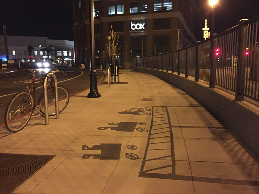Esse artista de rua pinta sombras falsas para confundir pedestres de forma sensacional 13 - Porque não usarmos a arte para surpreender alguns pedestres ?