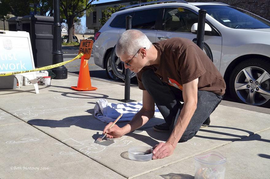 Esse artista de rua pinta sombras falsas para confundir pedestres de forma sensacional 2 - Porque não usarmos a arte para surpreender alguns pedestres ?