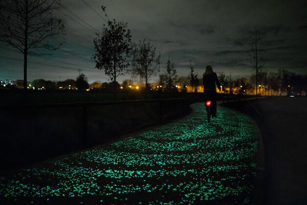 hol 1 - Holanda cria ciclovia que brilha no escuro inspirada na arte de Van Gogh