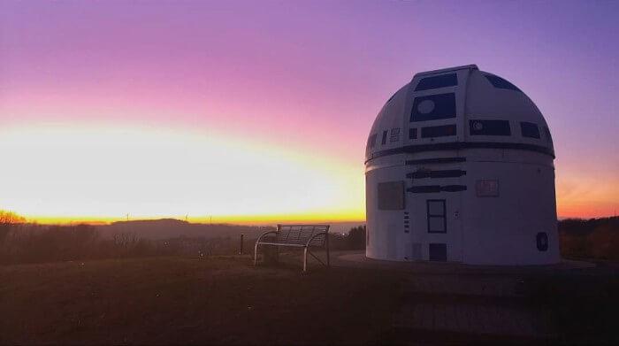 zweibruck observatory germany redesigned r2 d2 star wars hubert zitt 9 5c98adc79472f  700 - Professor alemão constrói um observatório de astronomia em formato do RD-D2