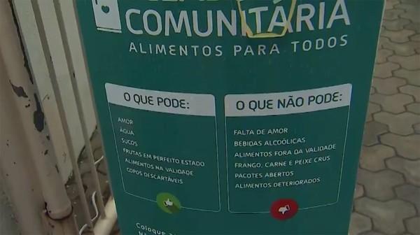"""geladeira01 - Grupo que teve """"geladeira solidária"""" furtada em Salvador recebe doações para comprar outra"""