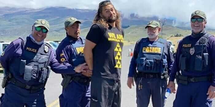 """jason - Ator de Aquaman é """"preso"""" ao protestar contra construção em montanha sagrada havaiana? Entenda!"""