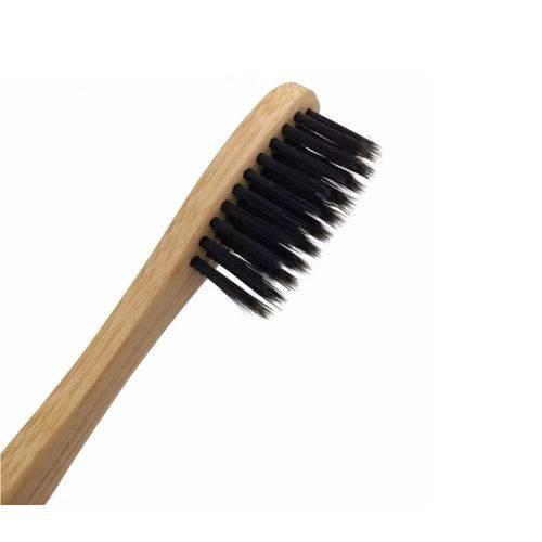 48268308 2GG - Escova totalmente feita de bambu é o novo lançamento da Colgate