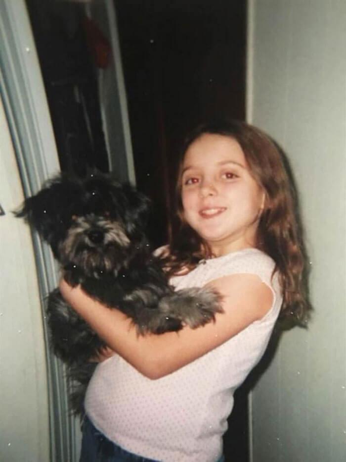 woman adopts childhood dog without knowing nicole grimes 8 5d7a51b787641  700 - Ao adotar cadela já adulta Nicole descobre que era sua melhor amiga de infância