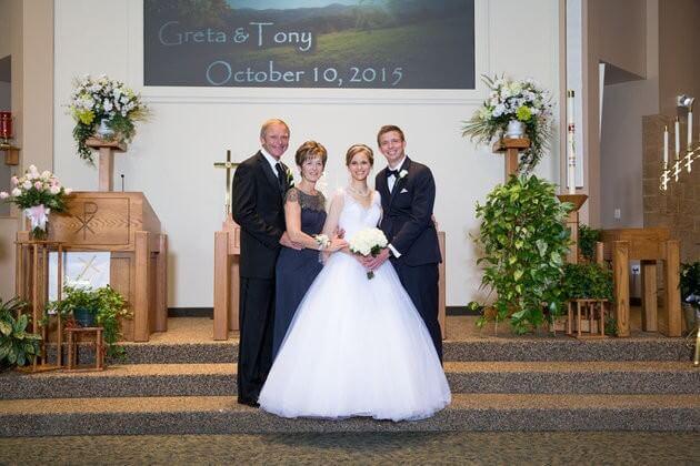 563144571400002b003c9638 - Noiva que sobreviveu à leucemia dança valsa com seu doador em seu casamento