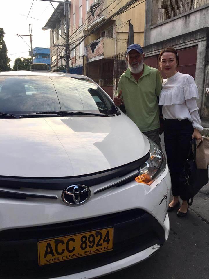 Awebic Passageira troca de lugar com o motorista 1 - Passageira dirige táxi para motorista descansar após dia cansativo de trabalho