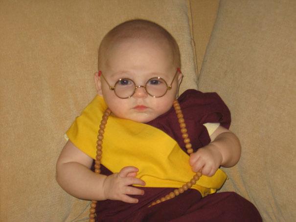 baby halloween costumes 29 605 - Aqui estão os 10 bebês mais fofos fantasiados para o tema do Halloween