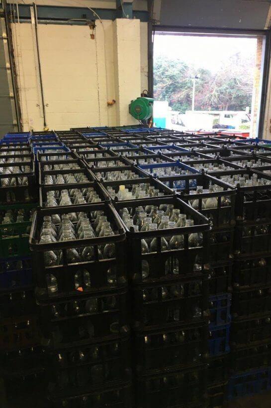 leite3 - Em Londres, voltaram a entregar leite em garrafas de vidro para reduzir o uso de plástico