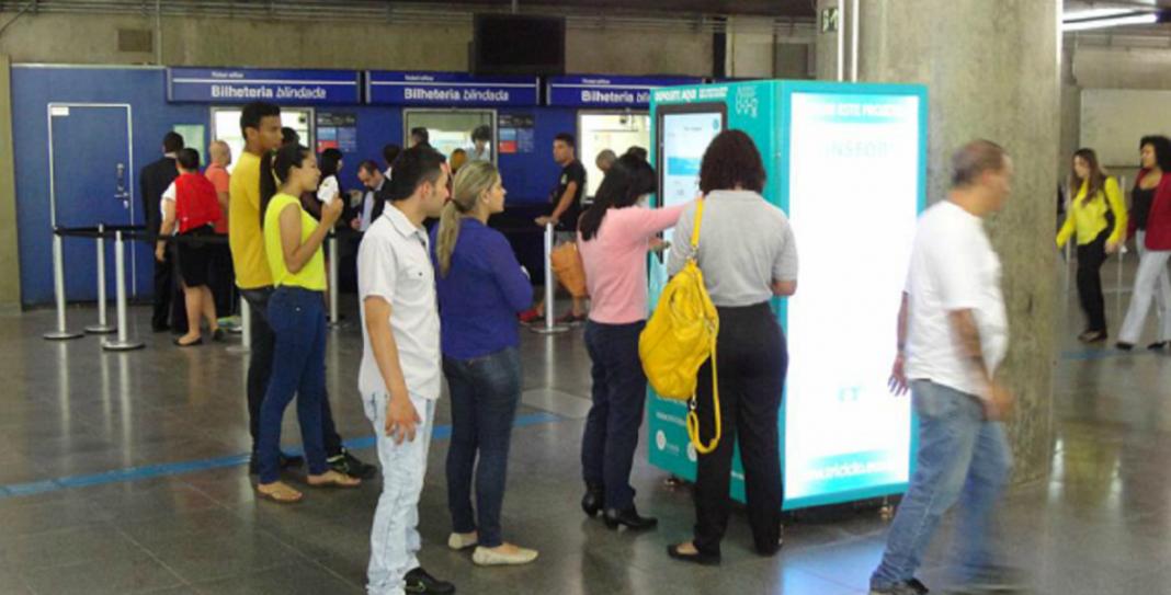 SP dá início a projeto que troca garrafa pet por crédito em transporte público