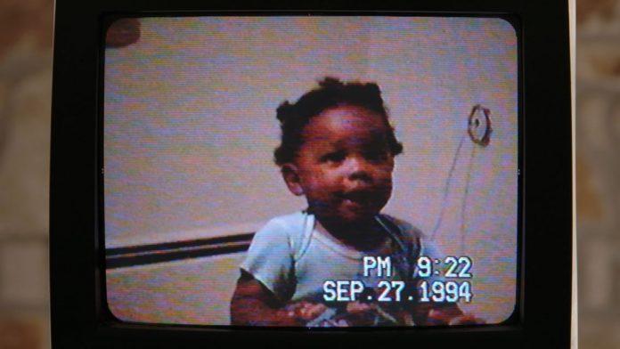 82520792 2727109887376113 1702884516307140608 o 696x392 1 - Homem encontra VHS de bebê dando primeiros passos e devolve para a família