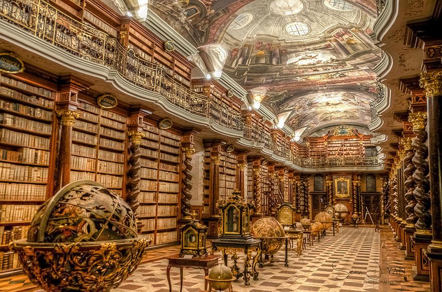 the klementinum national library czech republic 1 - Com quase 300 anos, a biblioteca mais linda do mundo fica em Praga