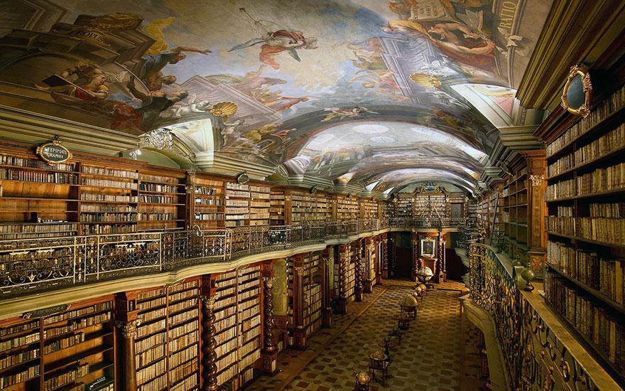 the klementinum national library czech republic 2 - Com quase 300 anos, a biblioteca mais linda do mundo fica em Praga