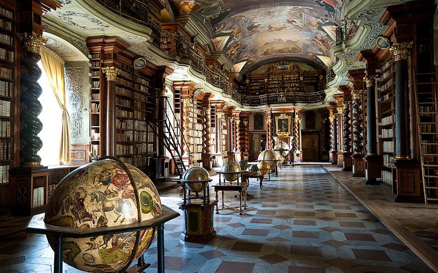 the klementinum national library czech republic 6 - Com quase 300 anos, a biblioteca mais linda do mundo fica em Praga