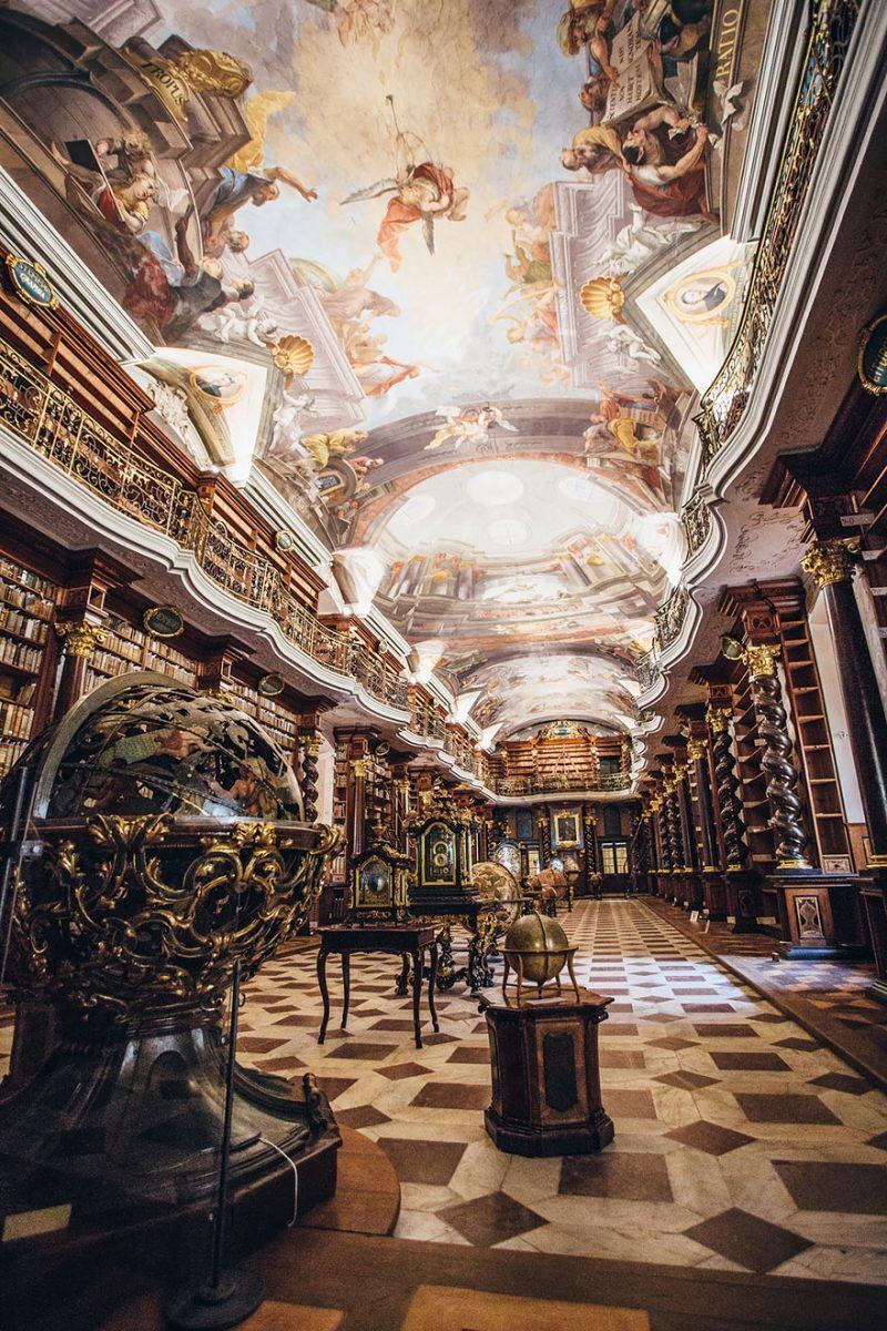 the klementinum national library czech republic 7 scaled - Com quase 300 anos, a biblioteca mais linda do mundo fica em Praga