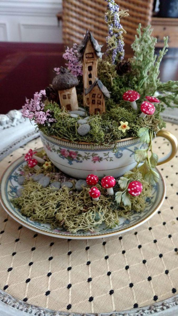 13 5e98470dd8284 700 scaled - Teacup Gardens, são jardins em xícaras e trouxemos 10 exemplos maravilhosos para vocês admirarem
