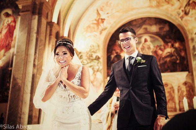 casamento fonoaudiologa surpresa criancas sindrome down 2 - A convite do noivo, crianças com Down levam alianças em casamento de sua fonoaudióloga emocionando-a