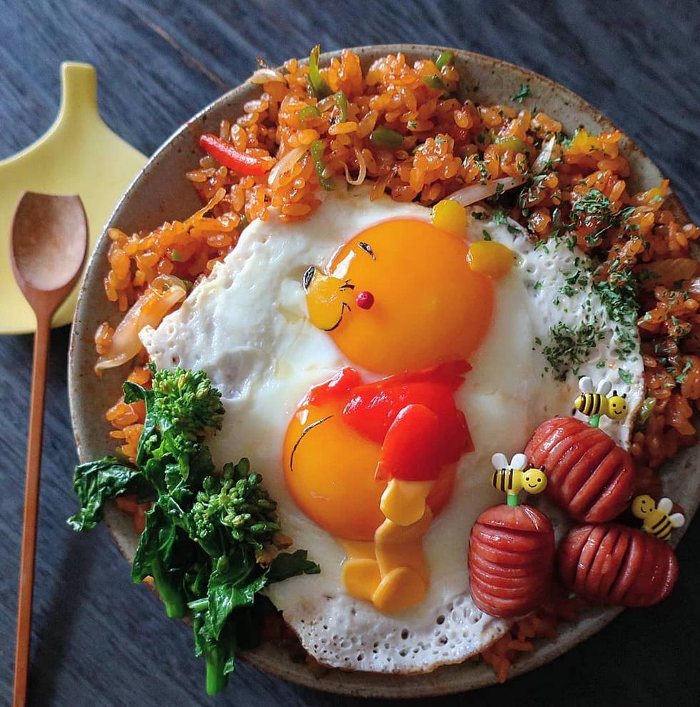 ovos fritos obra de arte 1 - Essa mãe japonesa faz belas obras de arte com ovos fritos