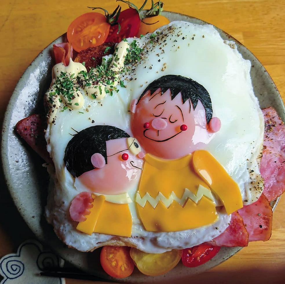 ovos fritos obra de arte 7 - Essa mãe japonesa faz belas obras de arte com ovos fritos