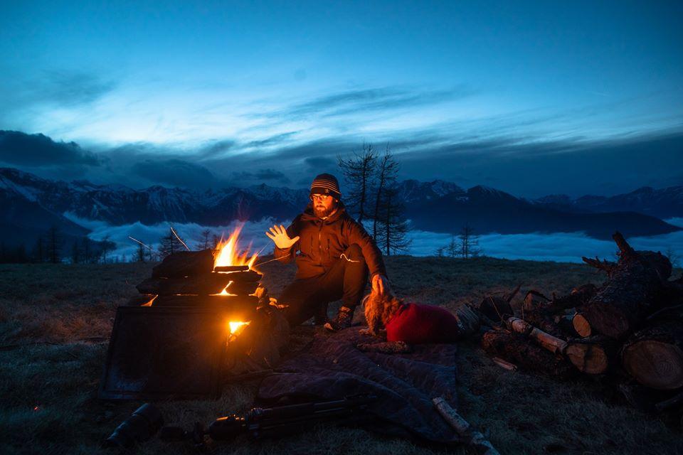 yari2 - Jovem passa quarentena acampado entre bosques e céus estrelados