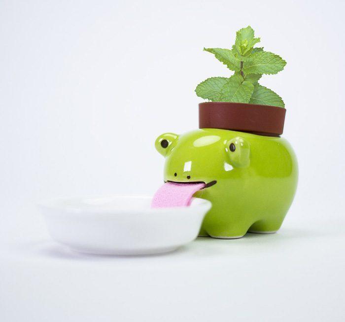 macetas animales 2 - Esses vasos bebem água e conseguem manter suas plantas regadas