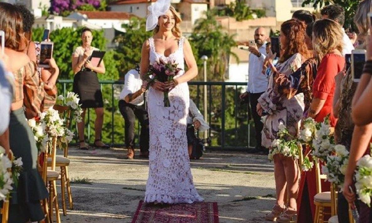 casar - Empresária se casa consigo mesma e faz festa para celebrar o amor próprio