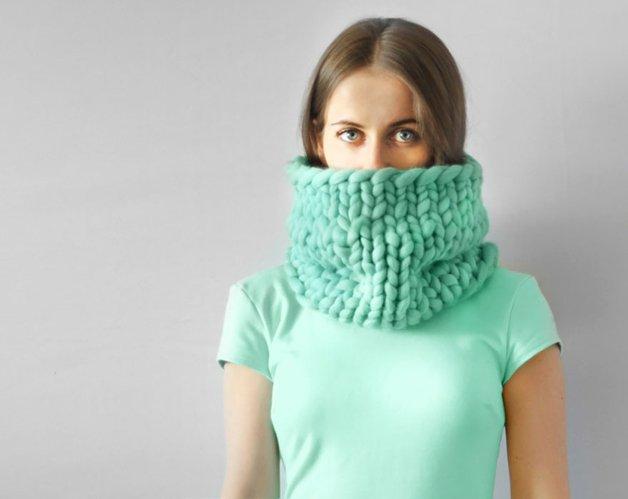 giant super chunky wool knitwear blankets anna mo 12 - Este tricô gigante era tudo o que você precisava para ser mais feliz hoje