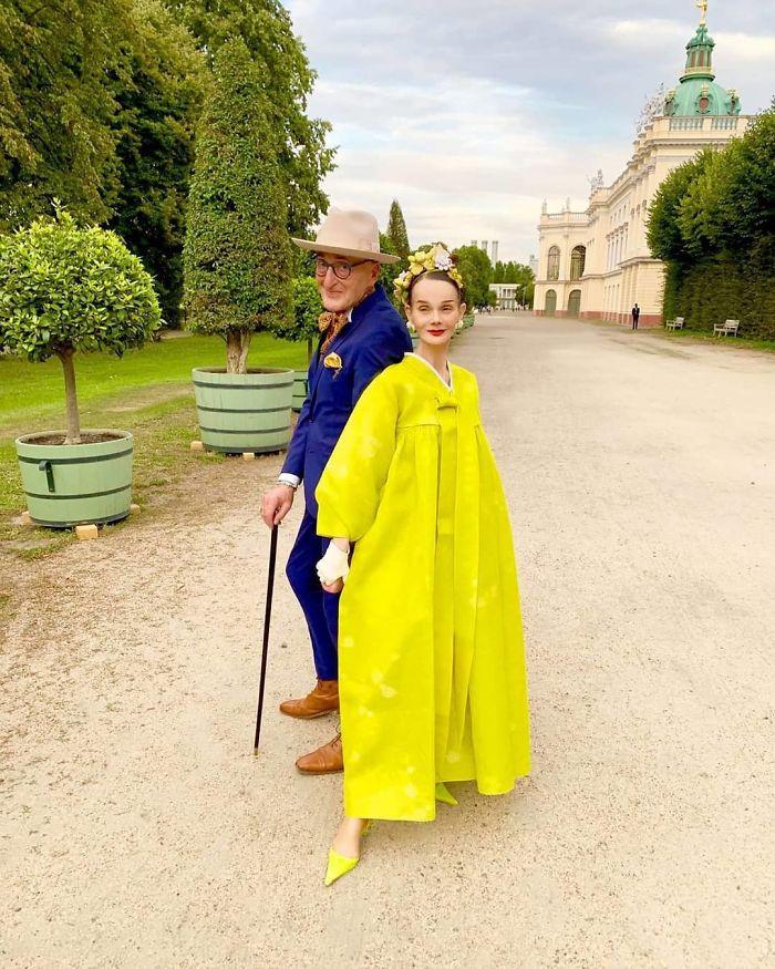 casal5 - Casal de idosos vira ícone de moda ao sair para passear sempre com estilo