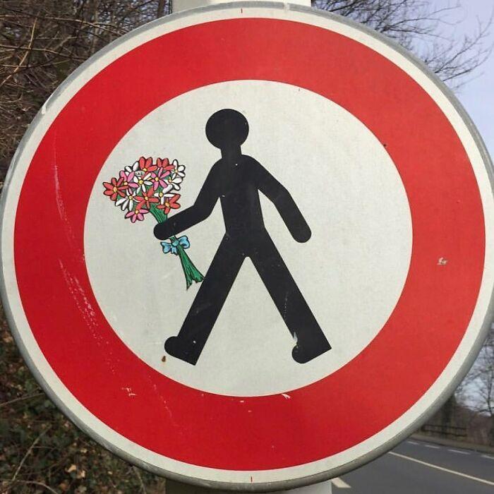 10 5fbb7d983828d 700 - 10 maravilhosos atos de vandalismo feito por um artista francês