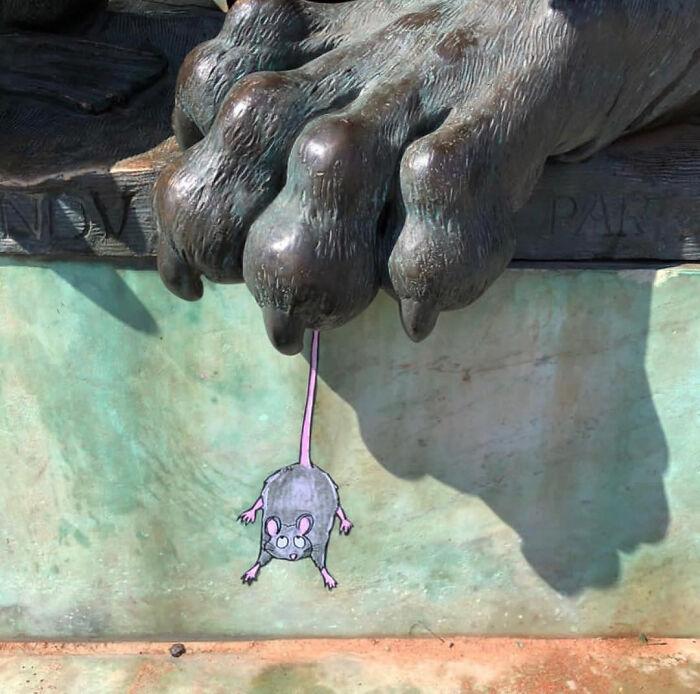 104 5fbb885a7f457 700 - 10 maravilhosos atos de vandalismo feito por um artista francês
