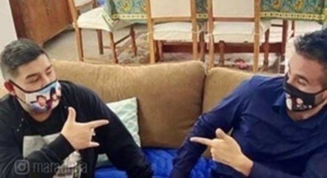 maradona 30112020110534929 - Maradona caiu e bateu a cabeça uma semana antes de morrer
