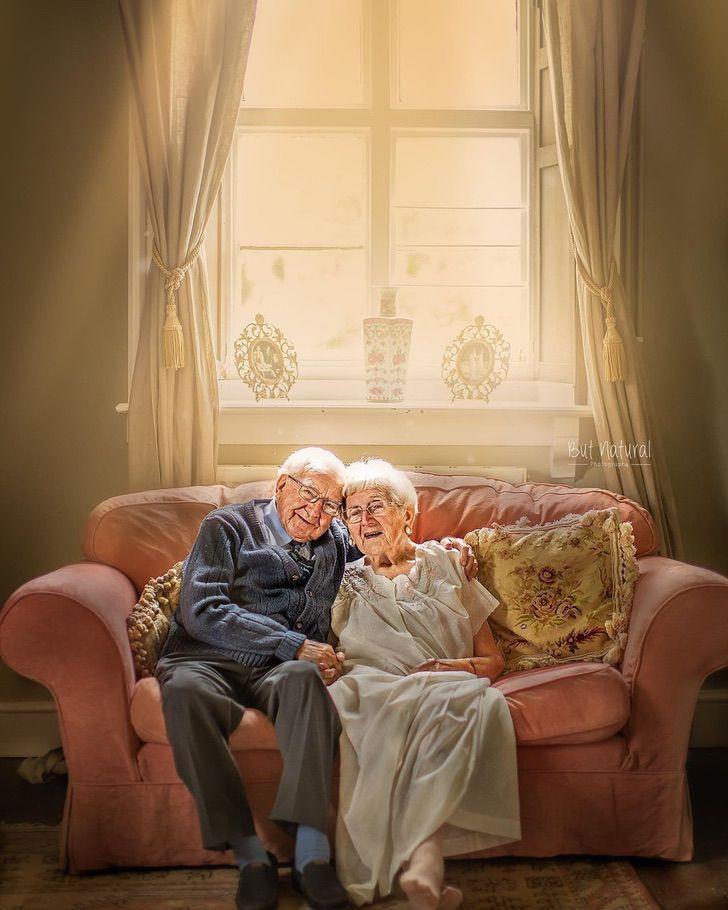 ancianos amor casados boda aniversario guerra0002 - Os anciãos emocionam a todos ao celebrar seu 70º aniversário de casamento. Quando o amor era verdadeiro e duradouro